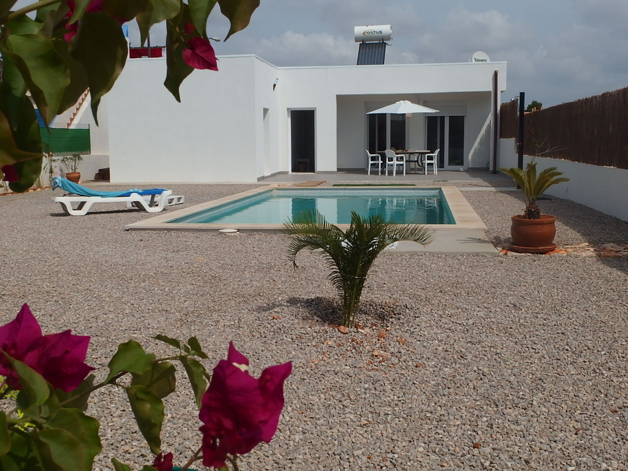 I-2243 House with 3 bedrooms with Pool, 2 km from the beach