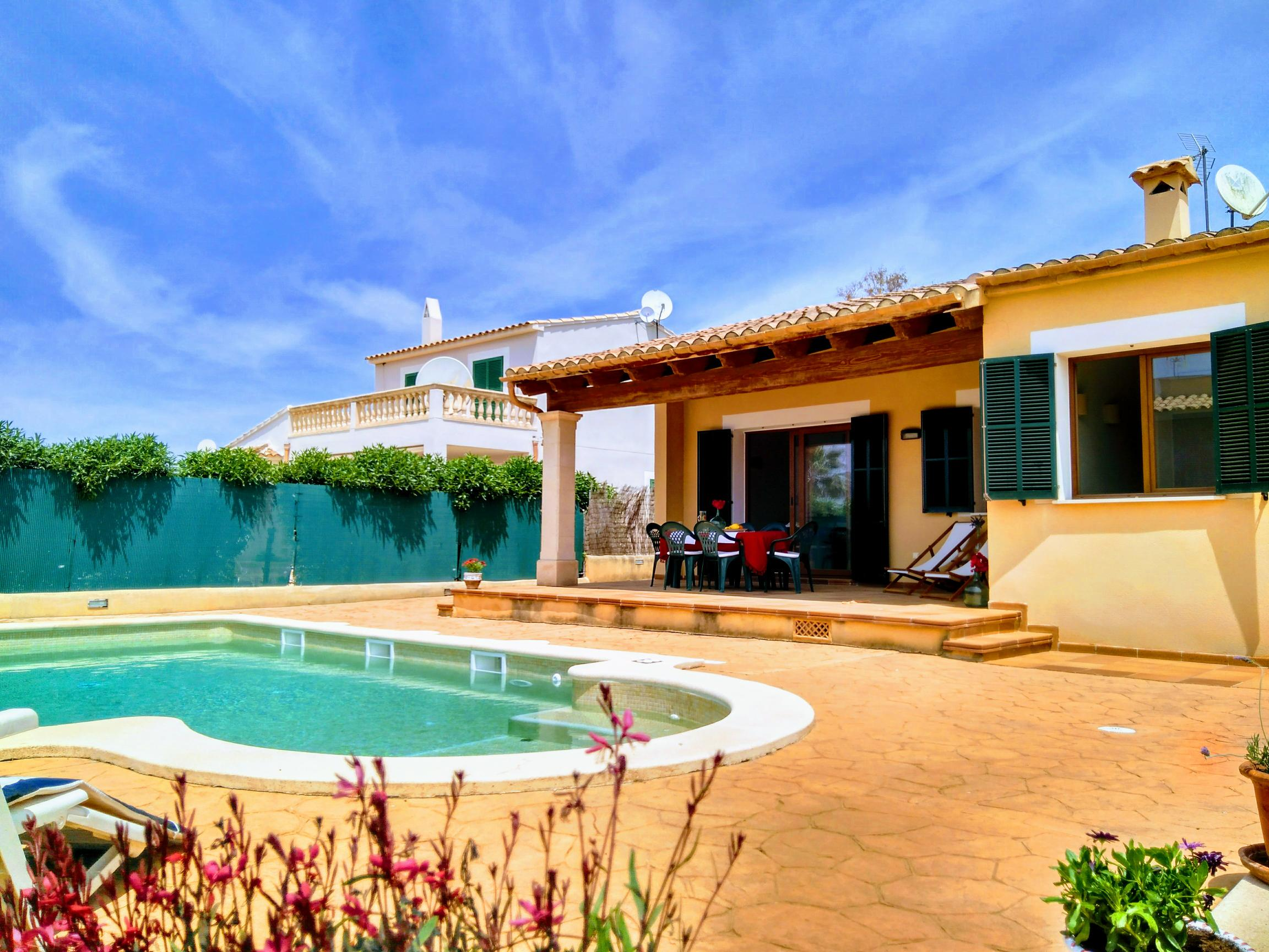 IA-2198 Villa 2 km to the beach with Pool