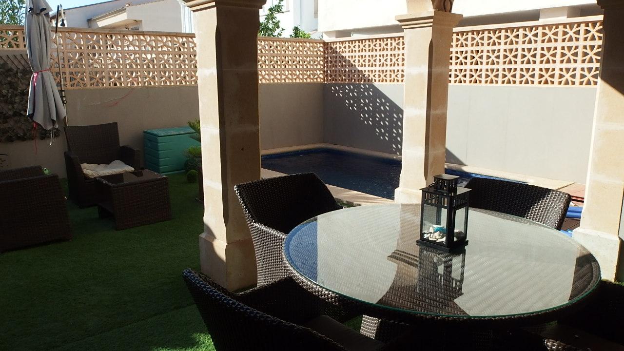 I- 2238 Preciosa casa adosada con piscina y varias terrazas