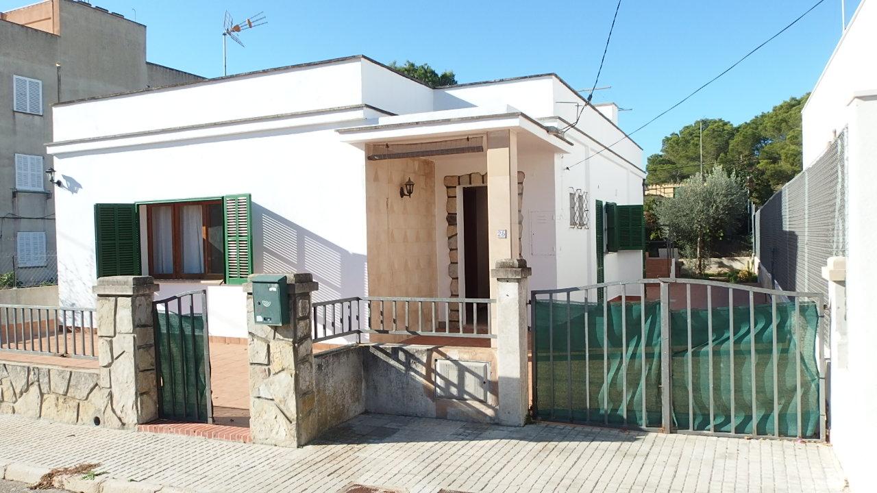 IA-364 Casa de 3 dormitorios y jardín