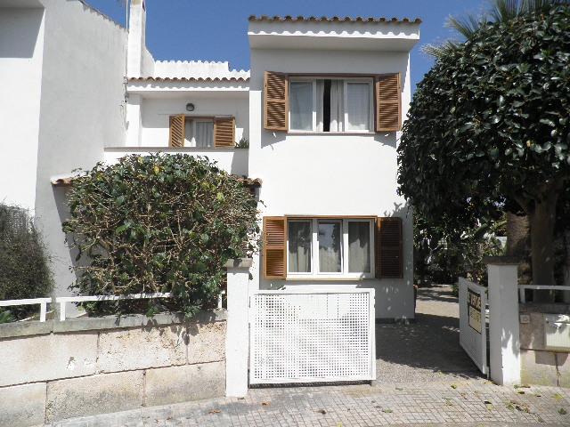 IA-2032 Bonita casa de 3 dormitorios y jardín