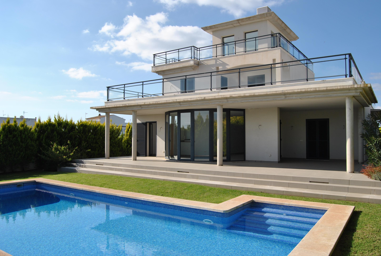 (ES) I-2242 Impresionante casa con piscina cerca del mar