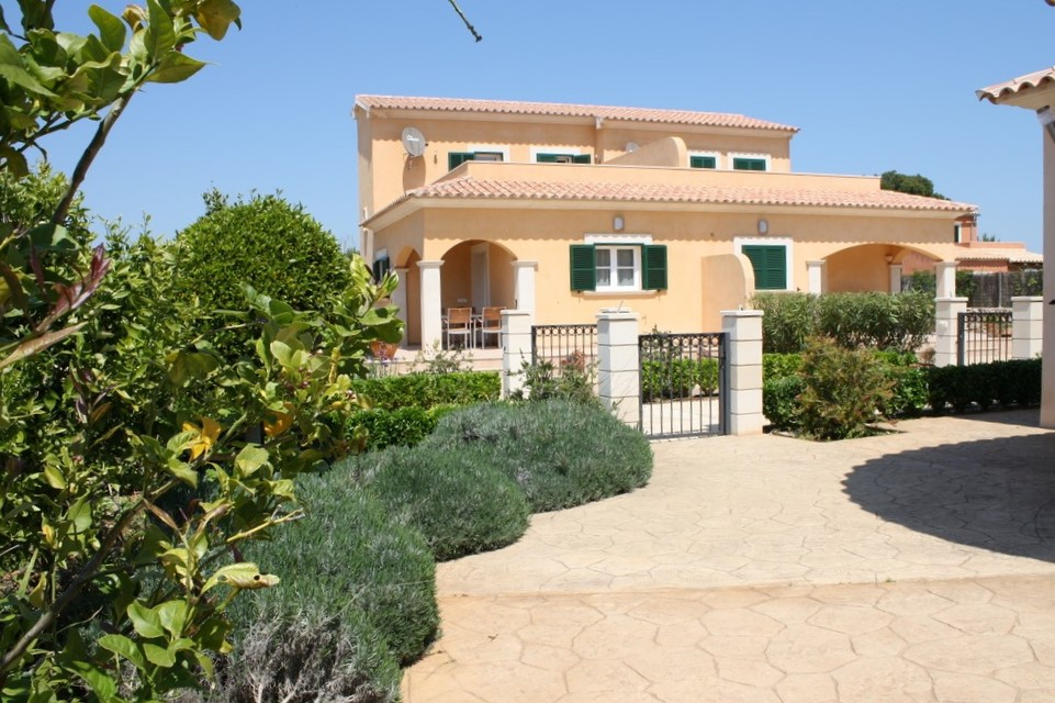I-2246-I Terraced house with license in Paradise