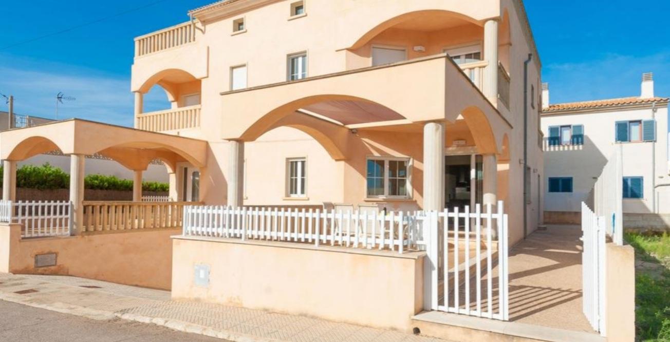 IA-399 4 bedroom house near the beach